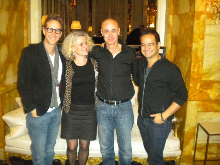 Joey Mc Farland, Kristel Moonens De Keyzer ( girl-friend de Vincent Didier et traductrice de l'entretien ) Vincent Didier, Riza Aziz, à l'hôtel Crillon à Paris le 7 février 2013.