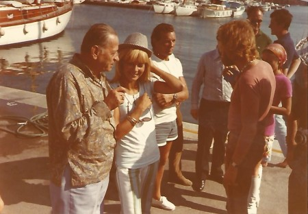 H. Charrière avec Eric Tabarly, Johnny Hallyday et Sylvie Vartan